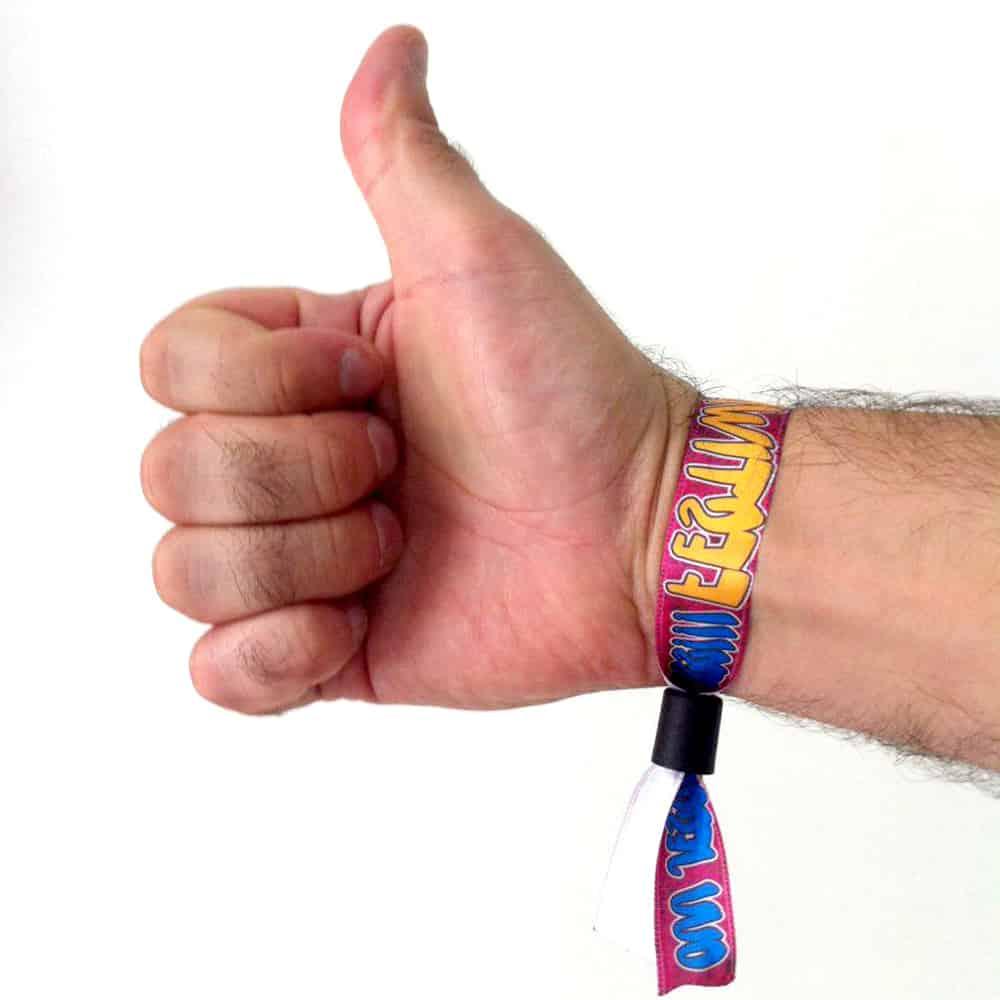 quitar plastico pulseras festivales